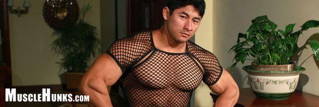 MuscleHunks Ko Ryu