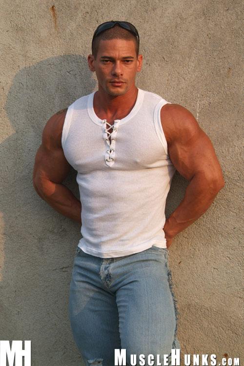 Bodybuilder Beautiful: Claude Carroll