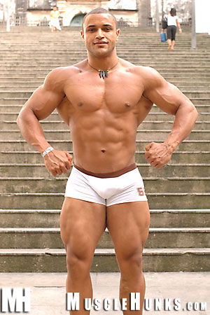 MuscleHunks Hernando Guitterez
