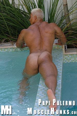 Resultado de imagem para Papi Palermo nakede gay
