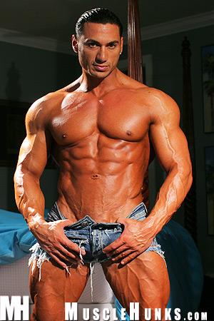MuscleHunks Rico Elbaz