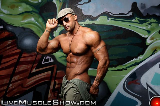 LiveMuscleShow Rico Cane
