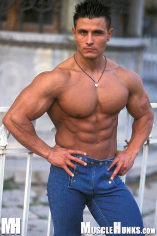 MuscleHunks Alberto Max