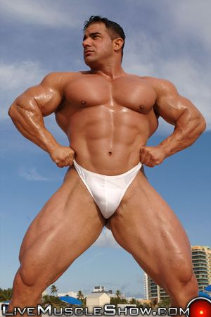 LiveMuscleShow Mike D