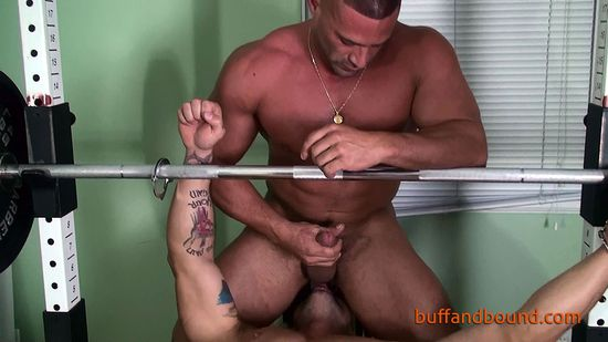 MuscleBoundandWorshipped_006