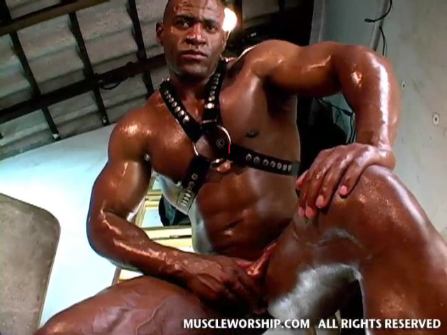 Cleber-Reis-Muscle-Worship-20
