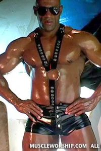 Cleber-Reis-Muscle-Worship