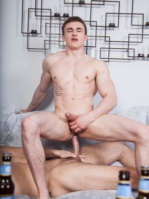 Roman Todd Unloads His Cream Inside Jake Davis