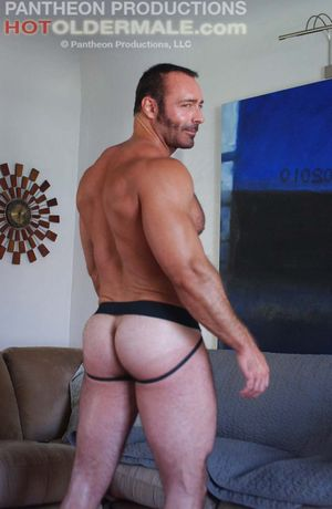 Hot Older Male Brad Kalvo