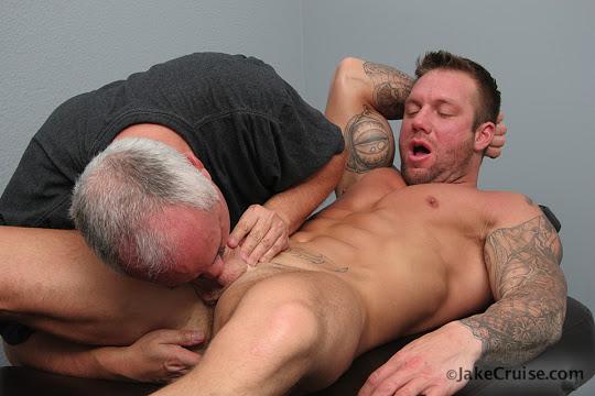 Bo Dean Massaged