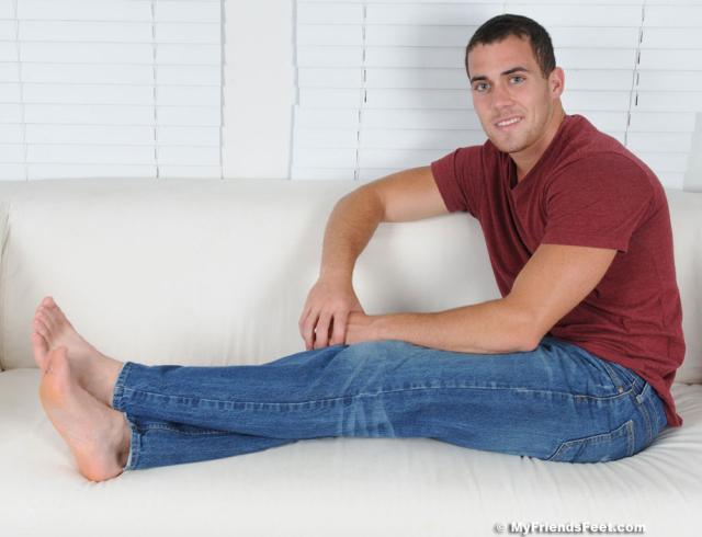 14 Koi Flip Flops & Size 9 1/2 Bare Feet