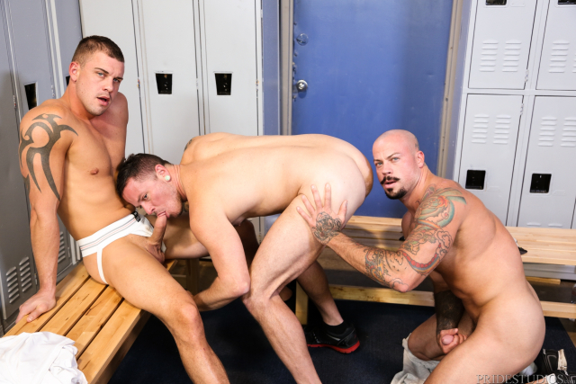 64145_11 Sean Duran, Max Cameron, Darin Silvers in Caught Stretching out His Mouth
