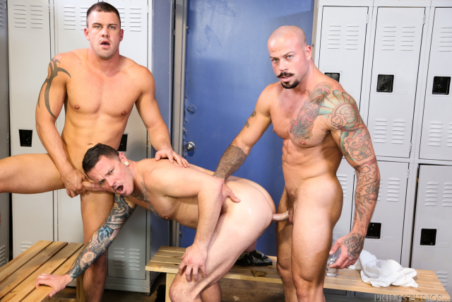 64145_13 Sean Duran, Max Cameron, Darin Silvers in Caught Stretching out His Mouth