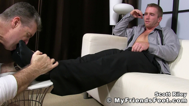 Scott Riley Has A New Foot Slave_07