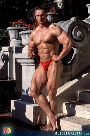 086 Adam Adamski at MuscleGallery