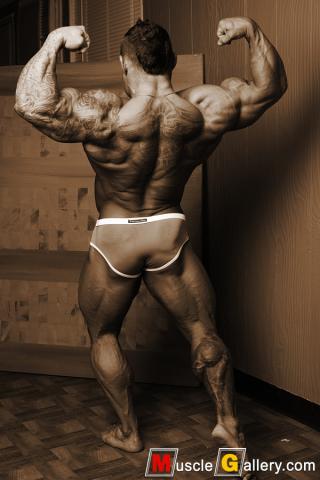 088 Marius Graatrud at MuscleGallery