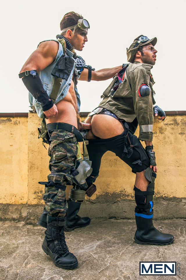 15 Dario Beck and Paddy O'Brian in Apocalypse Part 3
