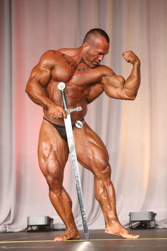 Ruben-Esobar-Overall-Winner-Mens-Bodybuilding-Mr
