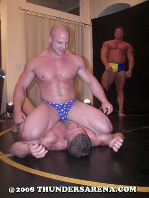 Bodybuilder_Battle_2_Desktop_Photos_image107