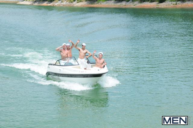 GayBoat (1)
