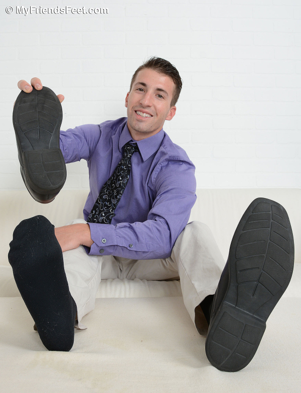 My Friends Feet | Gorgeous Dancer Dax Shows Off His Size