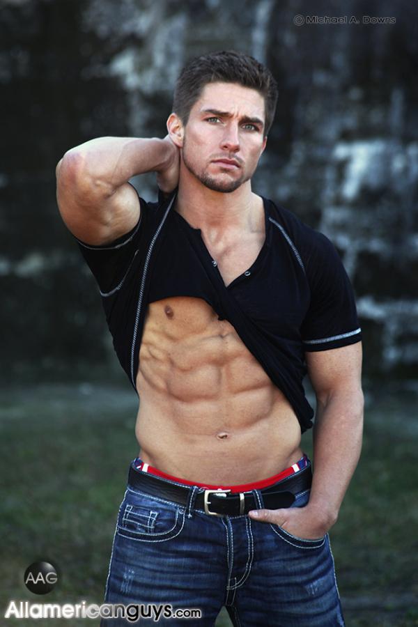Bodybuilder Beautiful: Ajay Laws