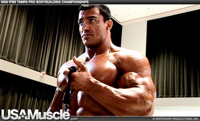 2009 IFBB PBW Tampa Pro Bodybuilding Championships Men's Pump Room Part 1