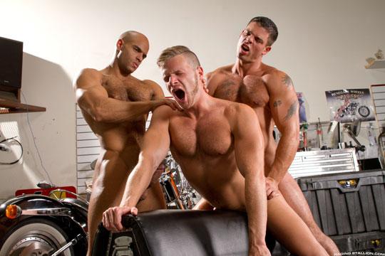 Brian Bonds, Sean Zevran, Derek Atlas