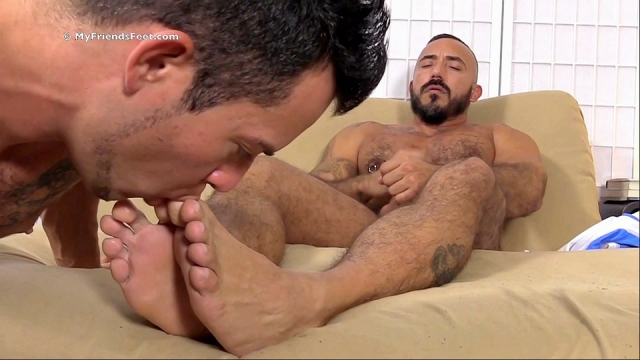 derrick-alessio-foot-sex-10