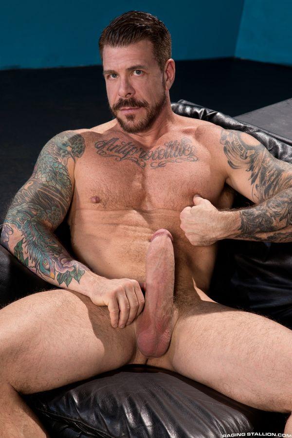 Rocco Steele - Gay Model page - freshsoft.net
