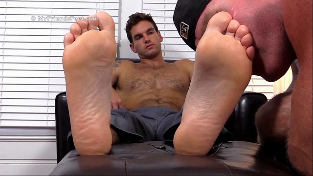 Chases-first-foot-worship-9