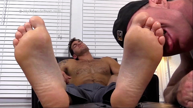Chases-first-foot-worship-11