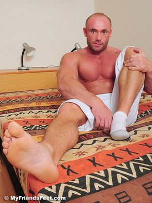 Dorian's Wide Size 10s In White Socks and Bare 38