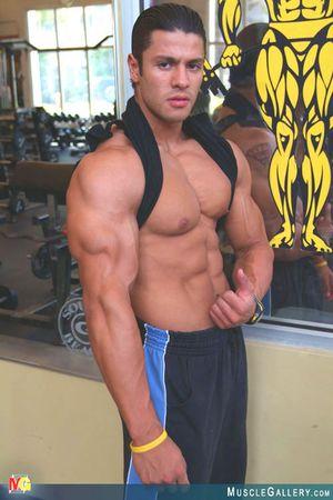 MuscleGallery Ricardo Delgado-05p1
