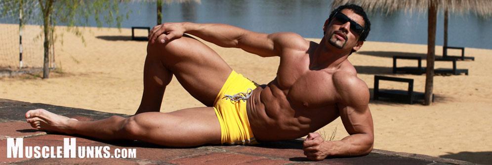 MuscleHunks Dimitri Popolos