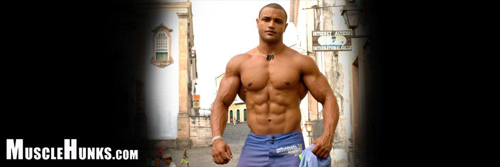 MuscleHunks Hernando Guitterez