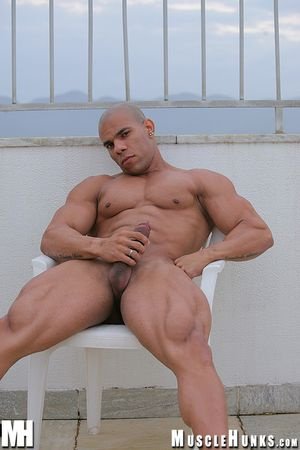 MuscleHunks Lucius Blaque