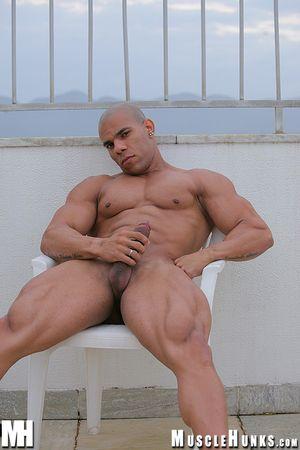 MuscleHunks Lucius Blaque