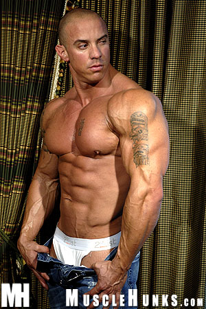 MuscleHunks Vin Marco 08