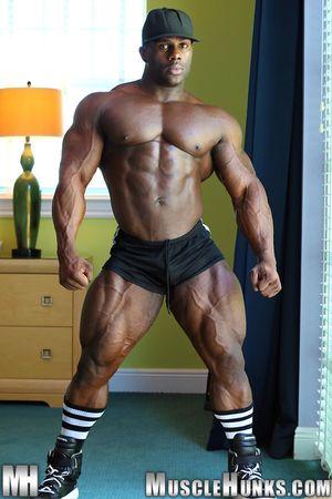MuscleHunks Aden Taylor