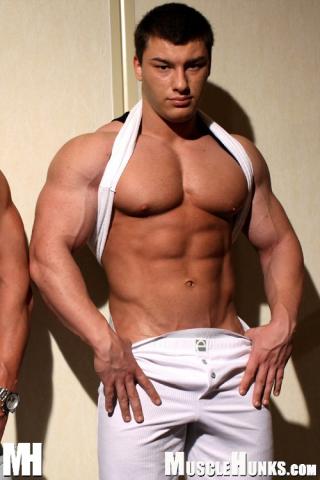 MuscleHunks Johnny Dirk and Lev Danovitz