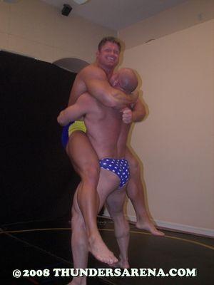 Bodybuilder_Battle_2_image91