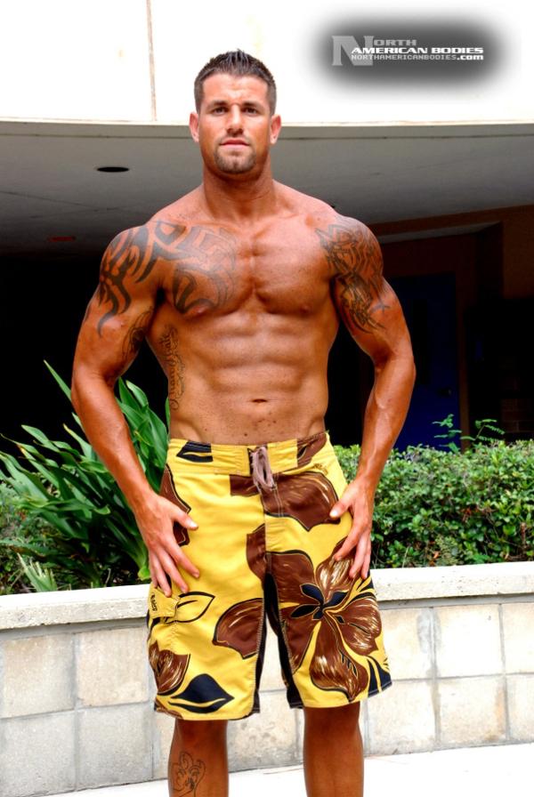 Bodybuilder Beautiful Profiles - Ryan Bones (7)