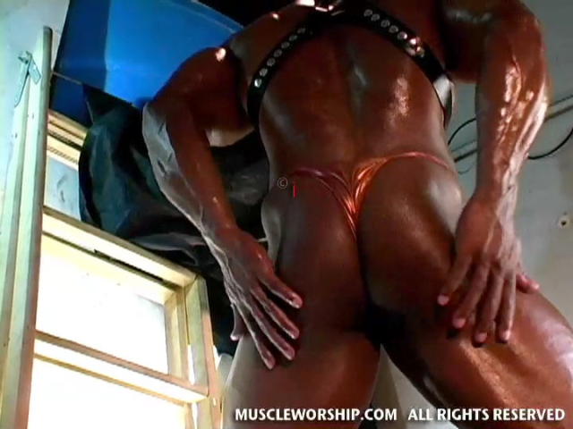 Cleber-Reis-Muscle-Worship-16