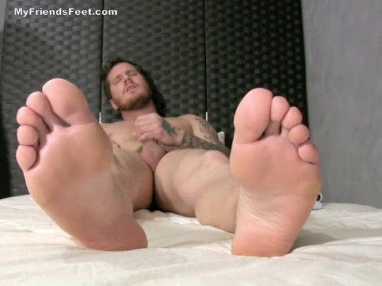London Gets Off On His Socks & Size 13 Feet
