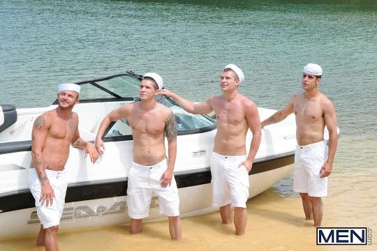 GayBoat (3)