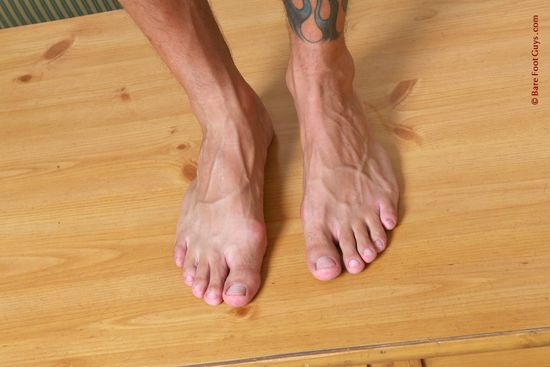 046 Bare Foot Guys Rod Daily 1