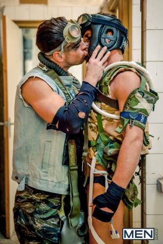 3 Hector De Silva and Paddy O'Brian in Apocalypse Part 1