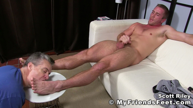 Scott Riley Has A New Foot Slave_17