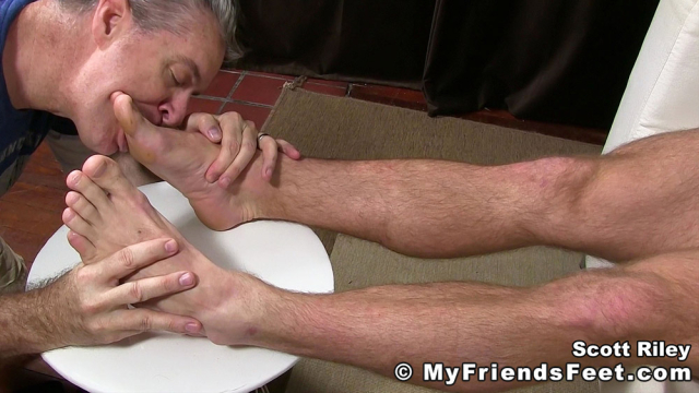 Scott Riley Has A New Foot Slave_15